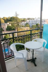 room-balcony-annapolis-282